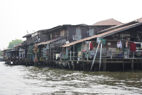 bangkok-chao-phraya-channels-houses