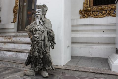 bangkok-wat-pho-chinese-guardian-statue
