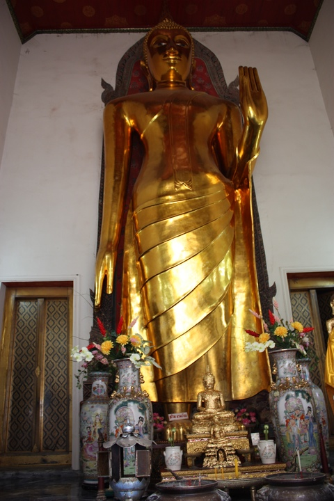 bangkok-wat-pho-huge-buddha-room