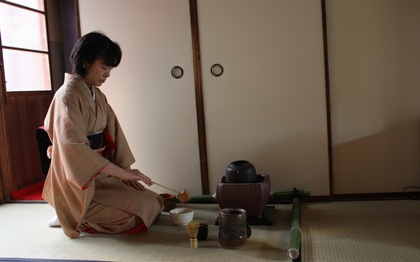 Tea ceremony performed at tea house in Kyoto