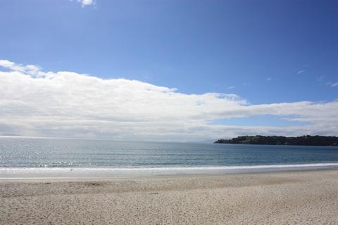 waiheke-island-onetangi-beach