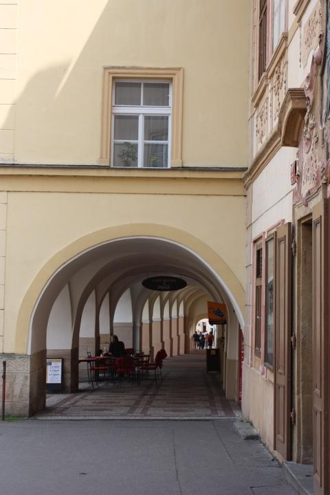 prague-old-street