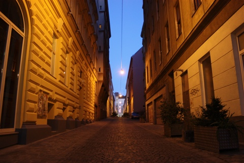 vienna-quiet-street