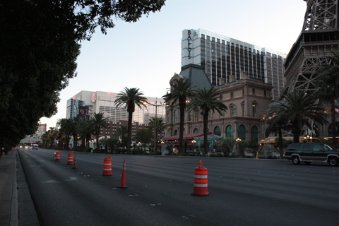 The Strip in the early morning. On the right side, a pilar of Eiffel Tour replica.