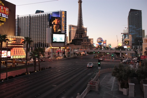 Eiffel Tour on the Strip