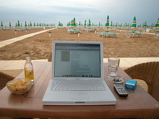 10 ways to become a digital nomad without the skills to work online